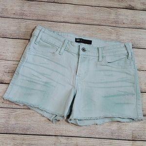Send your offer 💖《Levi》raw hem shorts